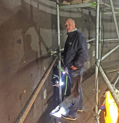 Mats Olsson, platschef på Pierre inspekterar arbetet.
