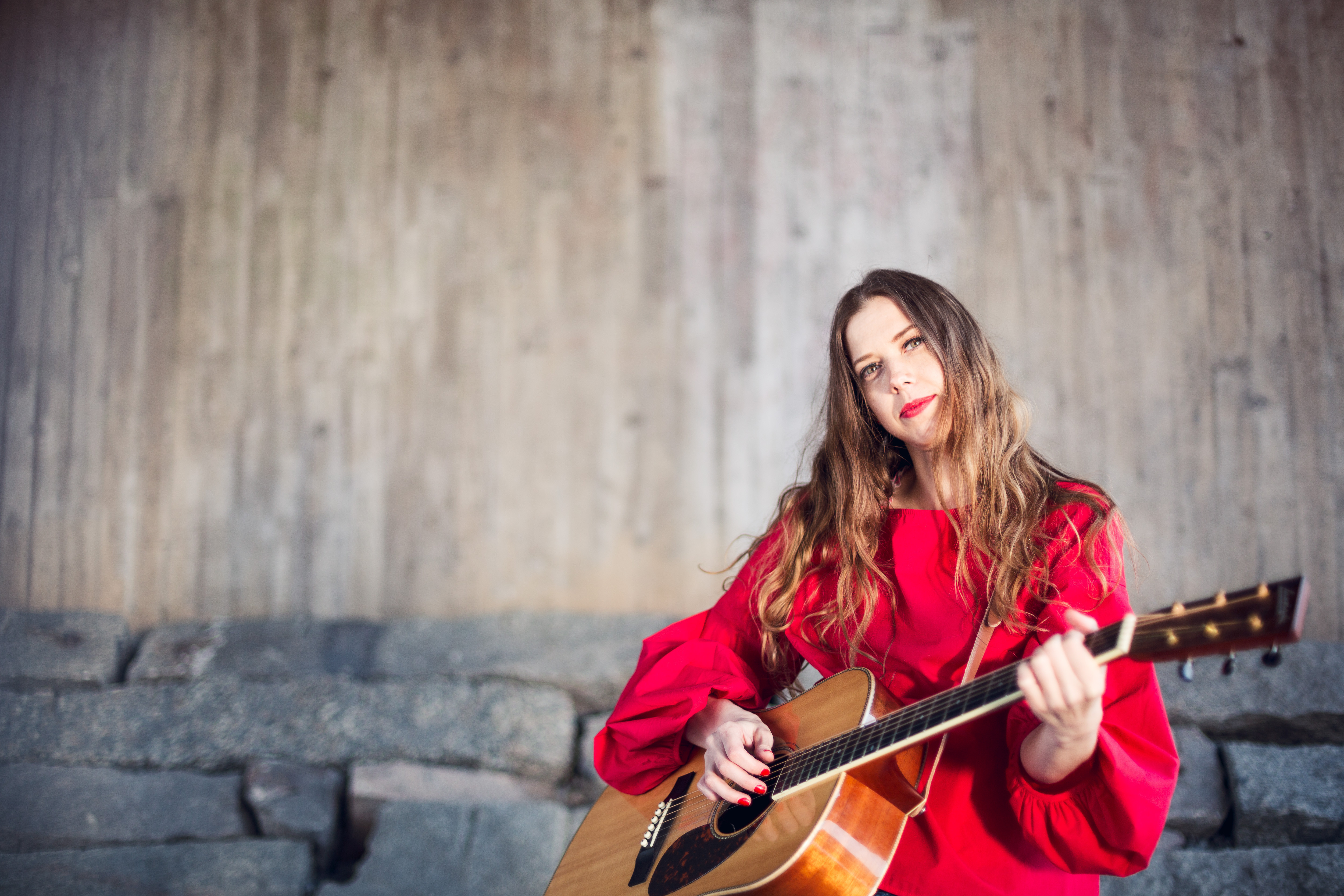 Ny begåvad svensk countrypop från hyllade Hanna Gustavsson!