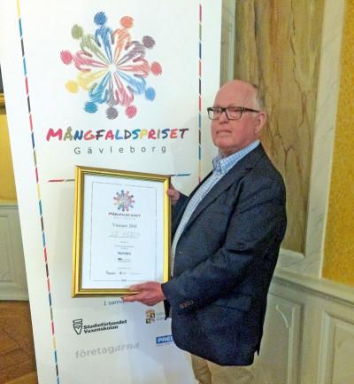 Inge Olsson, Styrelseordförande i KF Heros mottog Mångfaldspriset 2018.