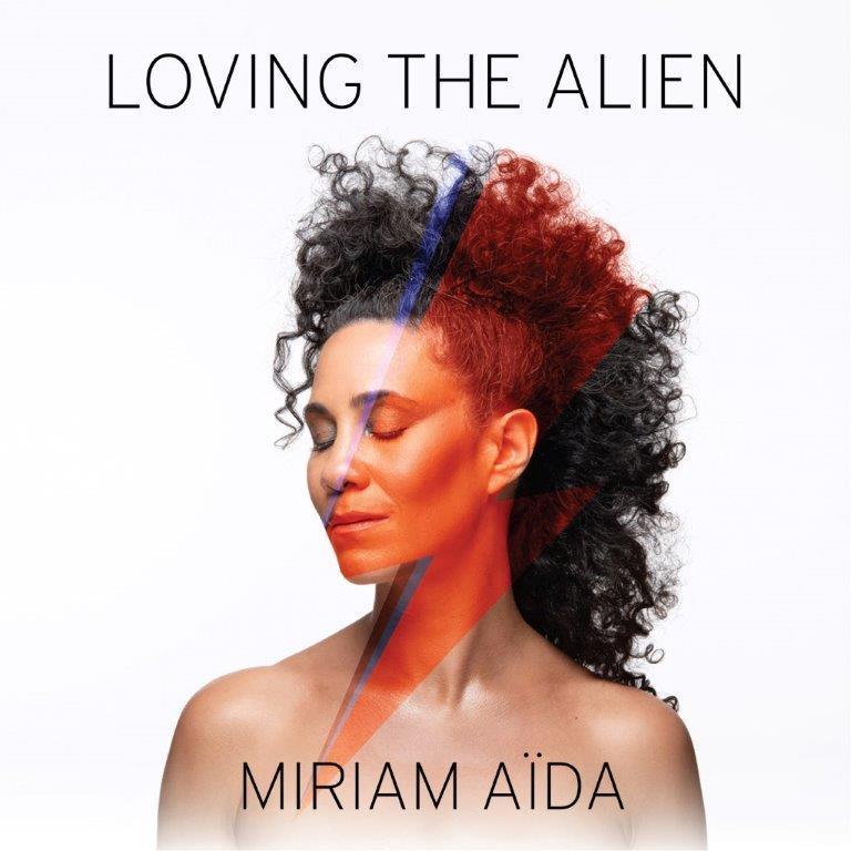 Miriam Aïda hedrar David Bowie med ny skiva och turné