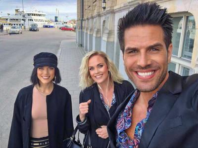 Hanna Jämtsäter, Maria Doverud och Henrik Sundström är taggade inför den nya showen STARS på Hits For You i Gävle.