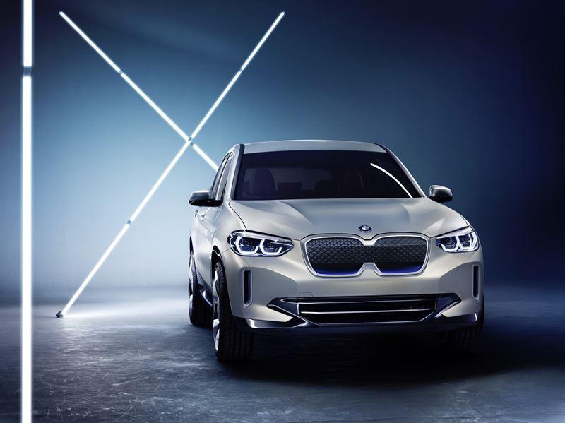 BMW och Volvo visar nya konceptbilar på eCarExpo