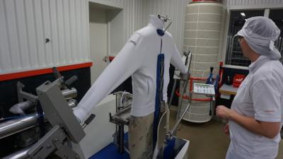 Blåsning/strykning av arbetskläder