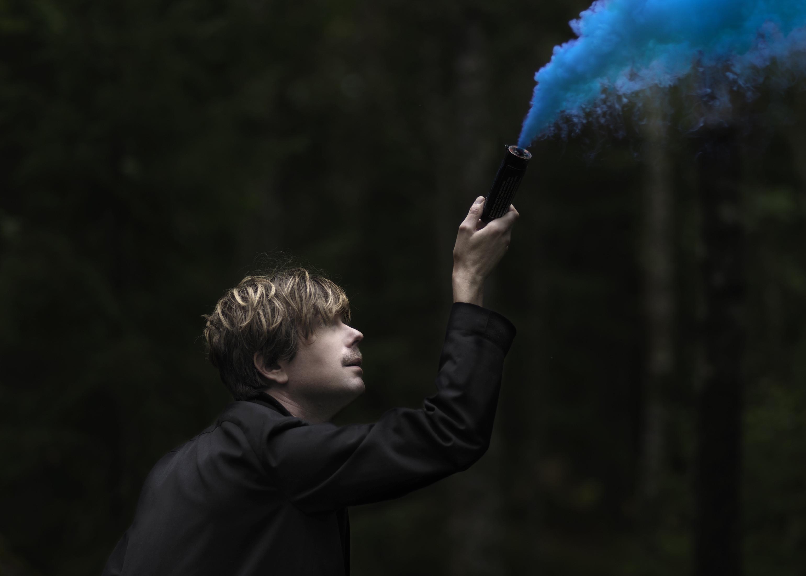 """Timo Räisänen släpper den outgivna låten """"Aldrig Långt Bort"""" och ger """"En Timokonsert""""!"""