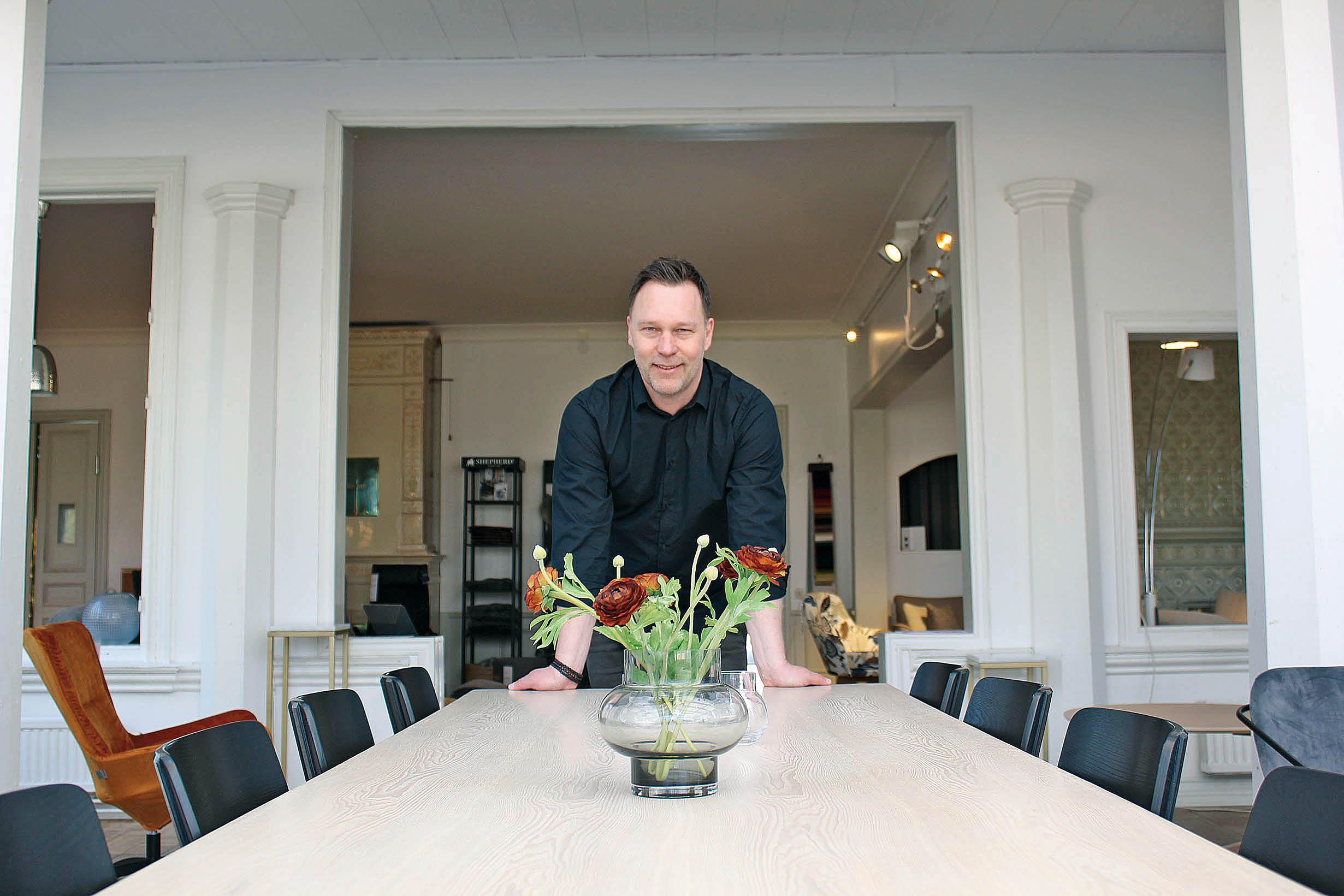 Henrik Dahlqvist - Nobel möbelhandlare