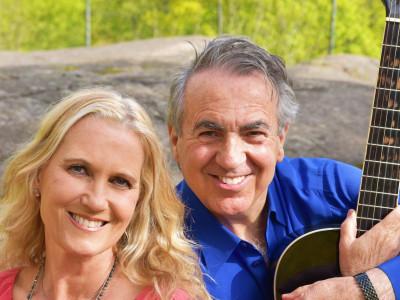 """Eddie Oliva och Maria Wells i en underbar duett med Italienska toner på nya låten """"You Are"""