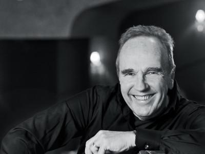 """Lennie Norman firar 70 år med ny Sverigeturné """"Gubbvarning Live""""!"""