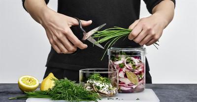 Ny undersökning visar hur vi svenskar äter sill