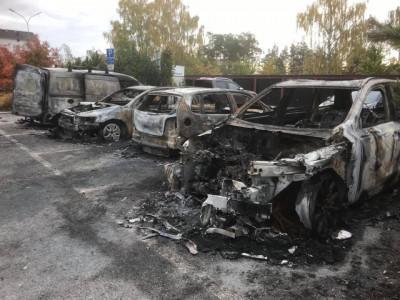 Hur kommer det sig att bilbränderna bara fortsätter?