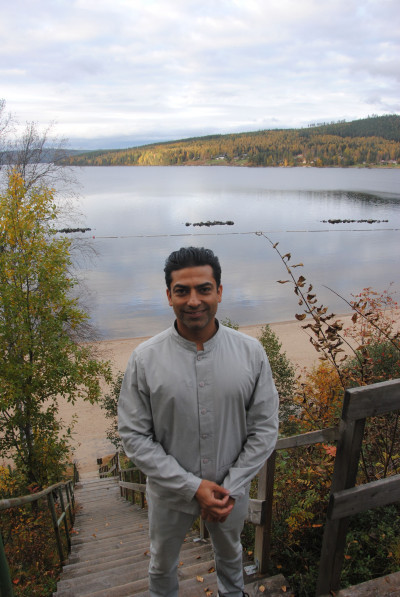 Prameet Kotak - A Life coach, Yoga teacher, Personal trainer, remedial Massage therapist, Reiki and Spiritual healing Master.