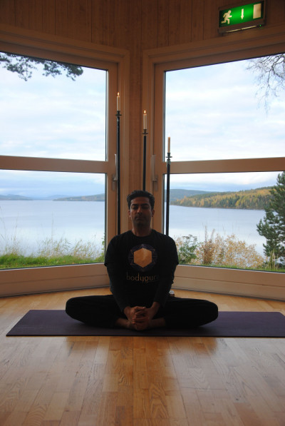 Prameet Kotak - A Life coach, Yoga teacher, Personal trainer, remedial Massage therapist, Reiki and Spiritual healing Master.