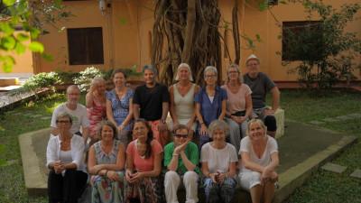 Yogaklass i Kerala i Södra Indien. Två och en halv vecka med deltagare från Sverige