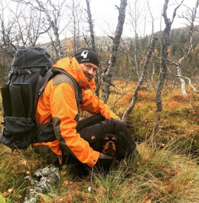 Johan Tunhult - driver Sveriges vildaste vandrarhem Jägarstugan.