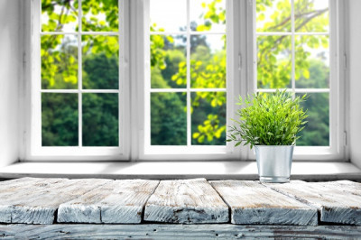 Moderna fönster med spröjs