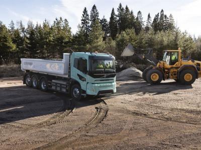 Volvo Lastvagnar presenterar eldrivna tunga konceptlastbilar