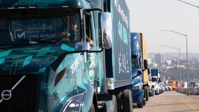 Volvo levererar 70 helelektriska nollutsläppslastbilar i USA.