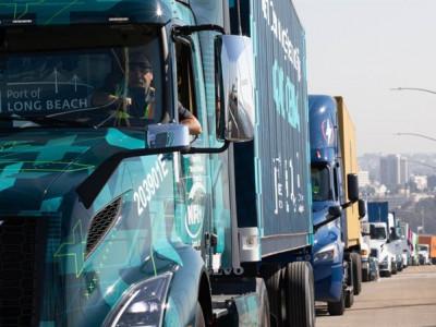 Volvo levererar 70 helelektriska nollutsläppslastbilar i USA