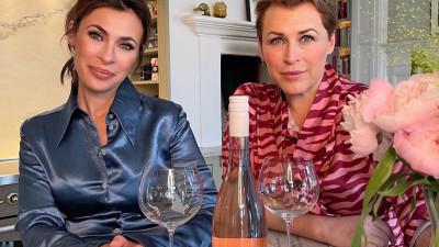 Hannah och Amanda lanserar rosévinet Golden Year