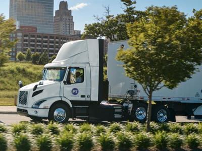 Volvo tar hittills största ordern av elektriska lastbilar i Nordamerika