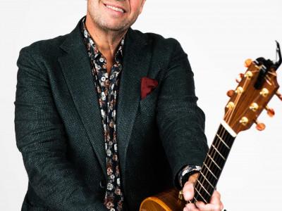 Lasse Kronér är tillbaka med ny julbords-show exklusivt på Selma Spa i Sunne!
